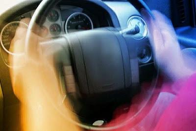 هل يمكن حدوث المشكلتين بشكل مترافق فصل تقطيع اهتزاز تفتفة السيارة و نتعة القير أو ناقل الحركة الأوتوماتيك و شرح كامل تابع معنا