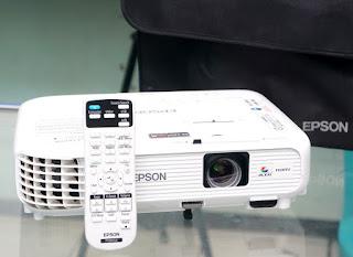 Proyektor EPSON EB-X300 Bekas