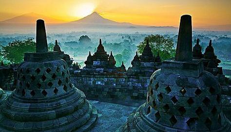 Kali ini info wisata Indonesia jalan jalan menuju candi Borobudur di magelang 7 Pesona Keindahan Candi Borobudur Yang Menakjubkan