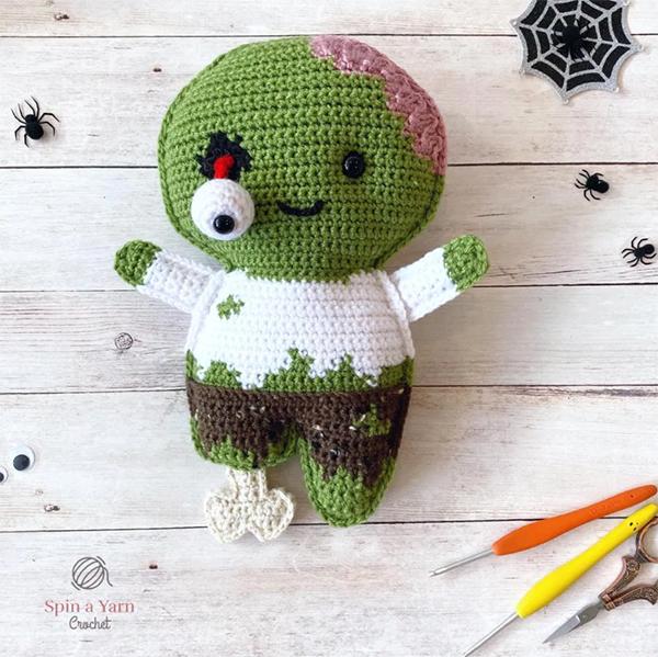 Zombie amigurumi by Spin a Yarn Crochet