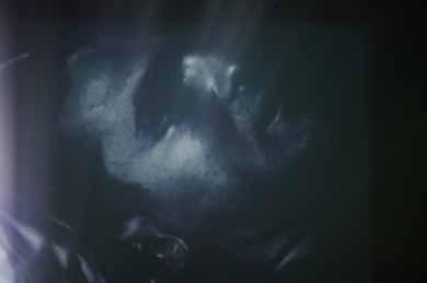 Andy WARHOL (Né en 1928 à Pittsburgh Mort en 1987 à New York), Sleep, 1963    film de 16 images par seconde au lieu de 24, durée 5h21. bee7a93c1b79