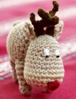 http://www.lovecrafts.co.uk/projects/files/2014/12/Amigurumi-style-Crochet-Reindeer.pdf