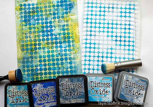 Layers of ink - Blueberries with stencil and ink tutorial by Anna-Karin Evaldsson.