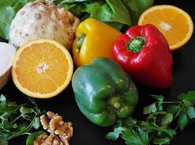 فوائد فيتامين س،فوائد فيتامين س للبشرة ونزيف اللثة. الأطعمه المتوفر بها فيتامين س