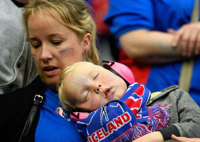 Chelsea-fan-asleep