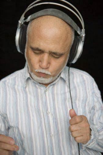 Kesehatan - Berbahaya Mendengarkan Musik Terlalu Keras !!!