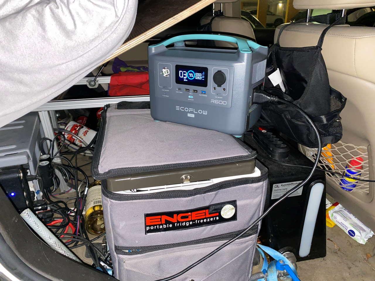 4x4-rig-powerbox_2nd_battery.jpg
