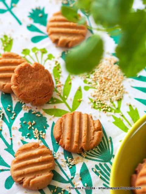 bardzo kruche ciasteczka sezamowe , ciasteczka maślane z pastą tahini , ciasteczka chałwowe , ciastka , sezam , z sezamem , z tahini , moje wypieki , cukierenka , najlepsze przepisy , deser