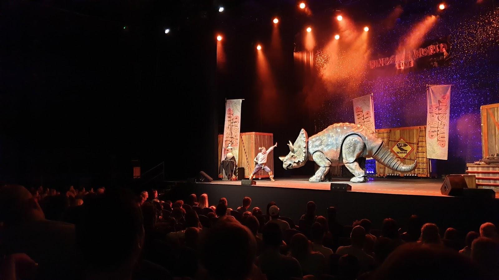 stegosaurus dinosaur world live puppet