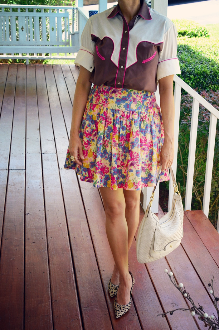 FLORAL SKIRT LEOPARD SHOES OUTFIT