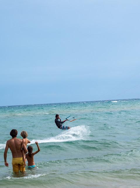 Kite surf e piccoli spettatori