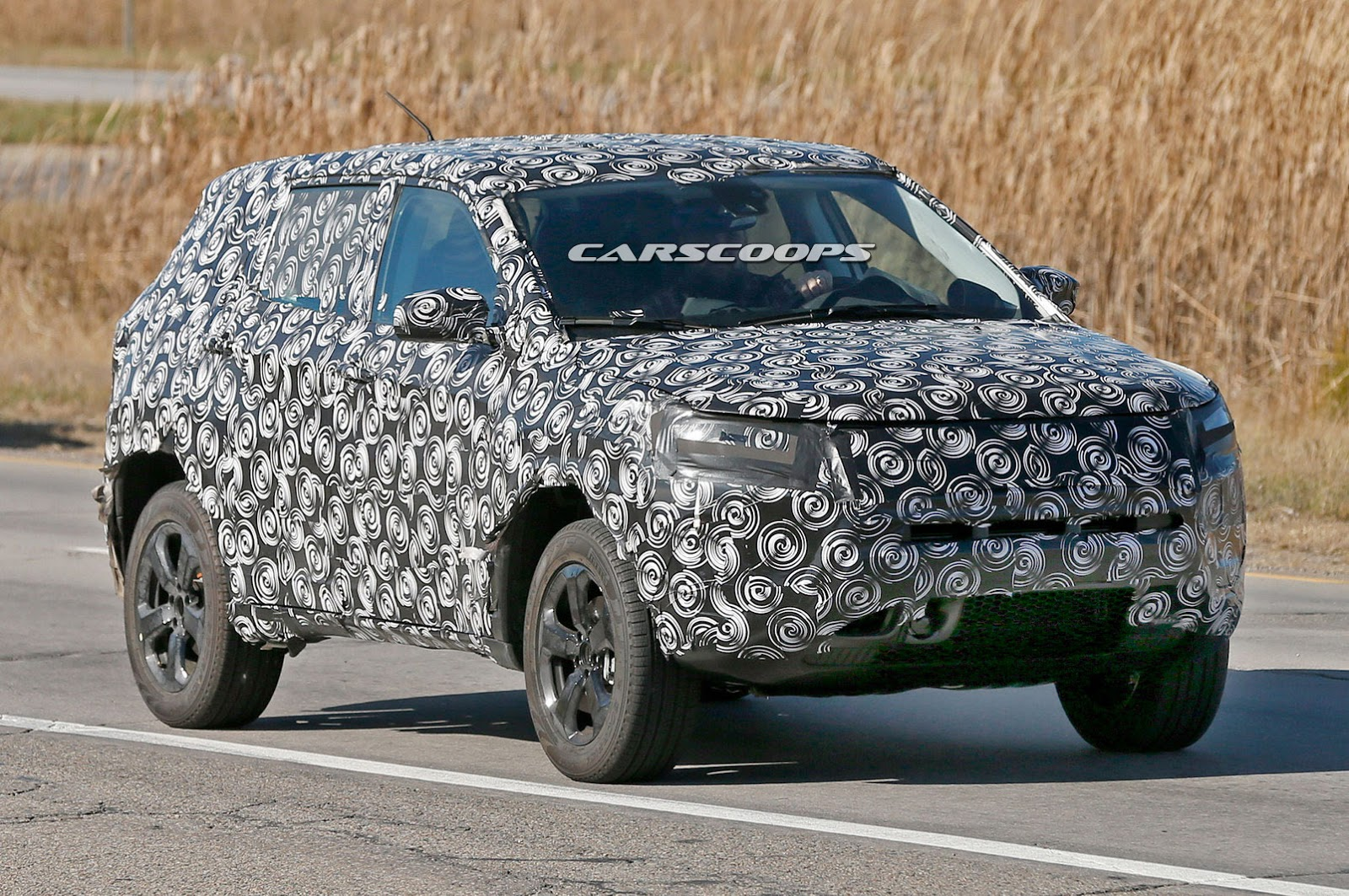 2017 Jeep Compact Cuv Spied Merges Compass And Patriot