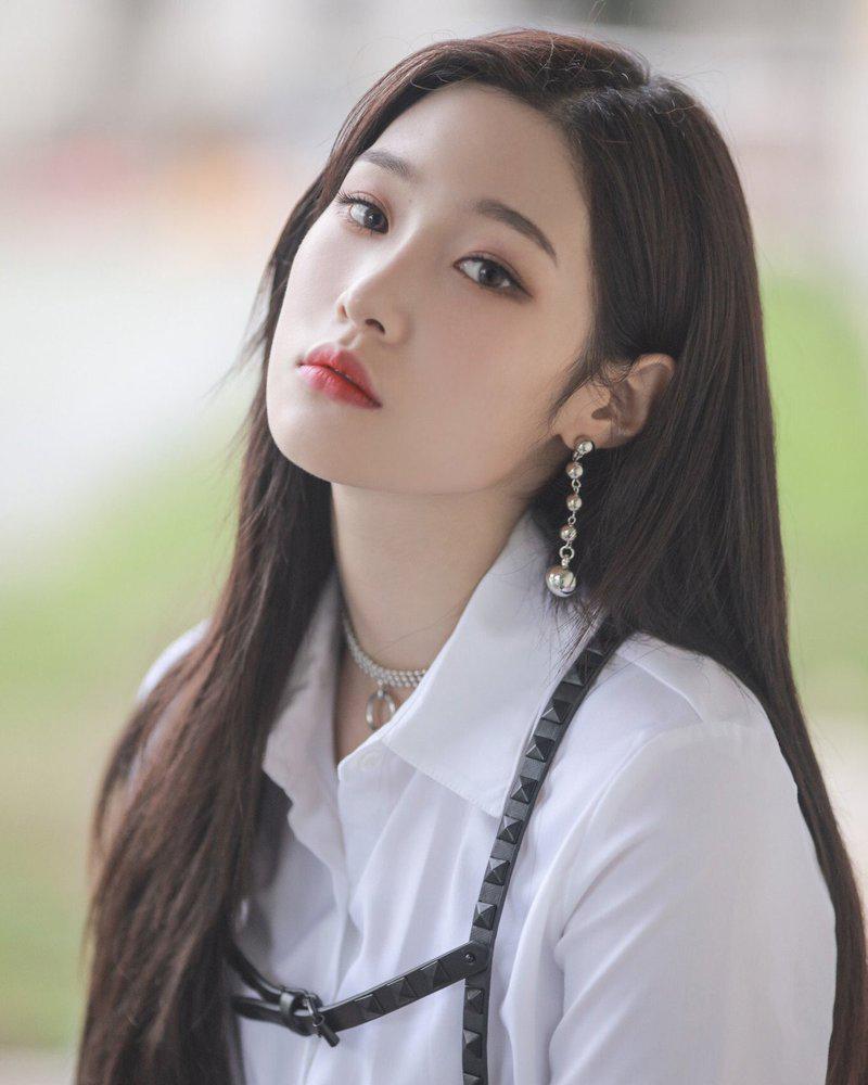 Chaeyeon  artis Korea selatan manis cantik dan manis bibir indah