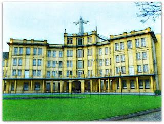 Gramado e Prédio do Centro de Espiritualidade Cristo Rei, São Leopoldo
