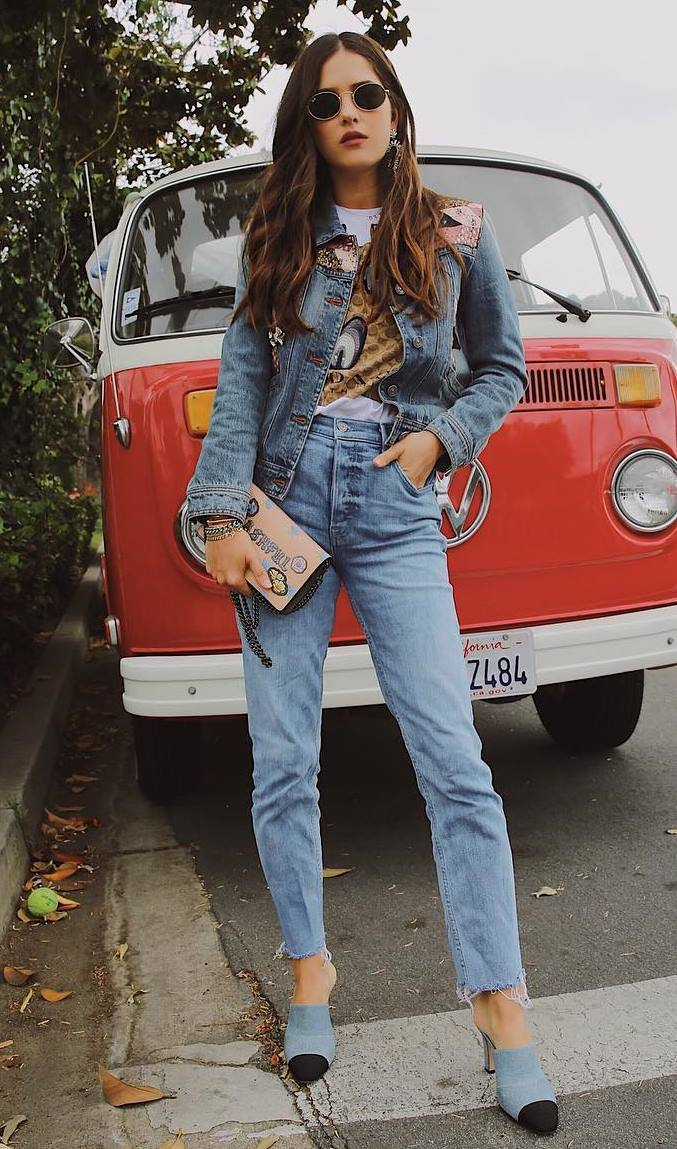 street style perfection / printed tee + denim jacket + jeans + heels + bag