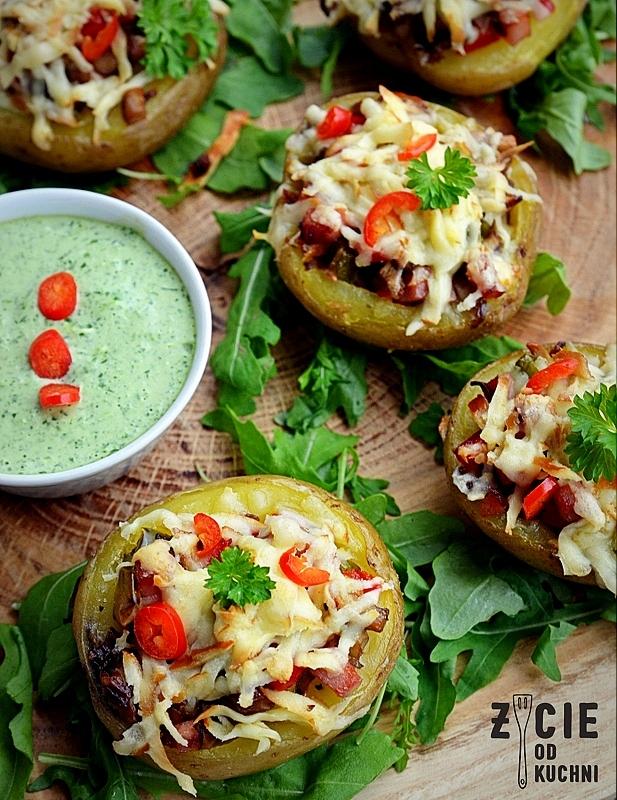 ziemniaki faszerowane,ziemniaki zapiekane,ziemniakizpiekarnika,oscypek, zielony majonez, zycie odkuchni
