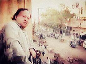 Lyrics Yaad-e-Nabi Ka Gulshan Mehkaa Mehkaa Lagtaa Hai by Nusrat