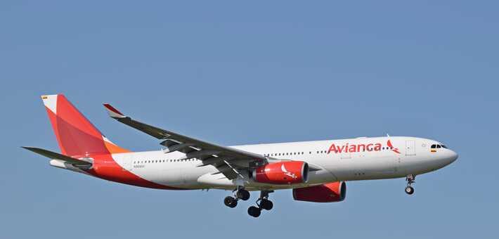 La aerolínea estimó sus obligaciones financieras entre los 1.000 y los 10.000 millones de dólares / VOA