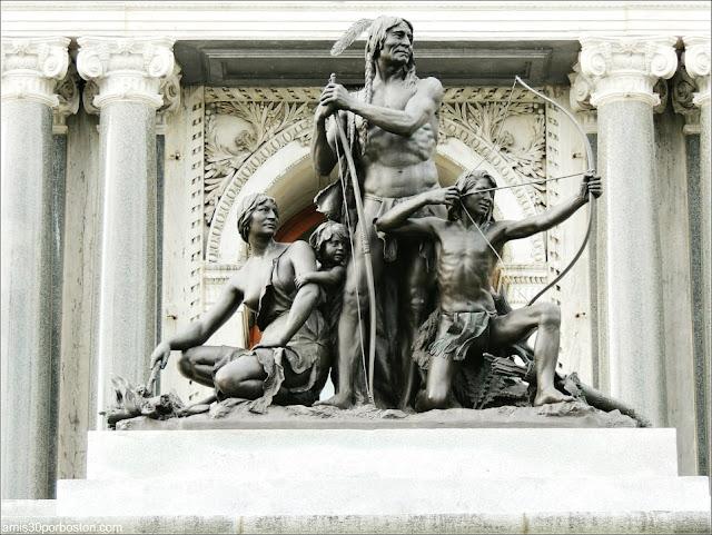 Estatuas de la Familia Amerindia en el Parlamento de Quebec