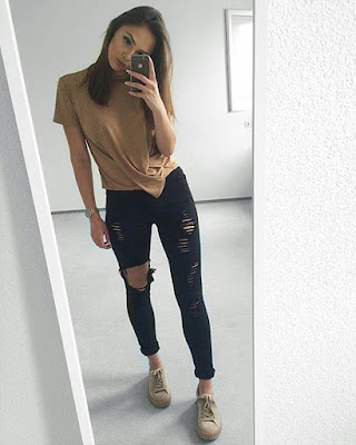 Outfit minimalista sobrio