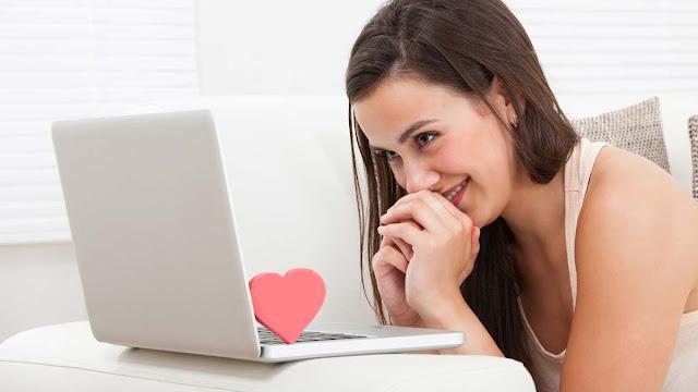 Gặp gỡ bạn bè thông qua các trang web trực tuyến đã không còn xa lạ.