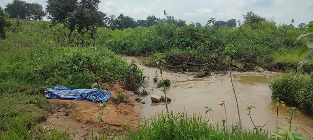 ब्रेकिंग जशपुर : पानी की गहराई का अंदाजा नहीं लगा सका युवक,डूब गया गहरे पानी में, 2 सौ मीटर दूर युवक का पानी में मिला शव, देर रात हुई थी बरसात..पूर्व सरपंच का रिश्तेदार है मृतक..