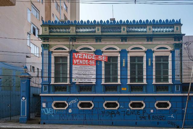Casa na R. Treze de Maio, que é uma Unidade de Interesse de Preservação - fachada