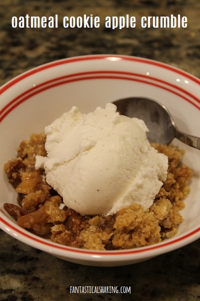 Oatmeal Cookie Apple Crumble #recipe #dessert #apple #fallrecipe #falldessert #autumn #crumble