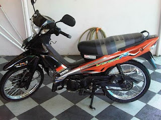 Modifikasi Motor Vega R 2005 Warna Orange