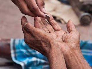 five richest beggars who have flats cash in crores