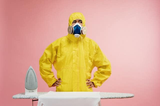 Can coronavirus live in clothes? If so, for how long? Can coronavirus jump?