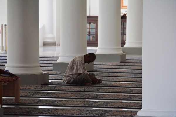 Adab dan Tata Krama Ketika Berada di Dalam Masjid