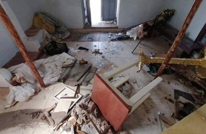 Así quedó una iglesia ortodoxa griega en la isla de Lesbos destrozada por inmigrantes