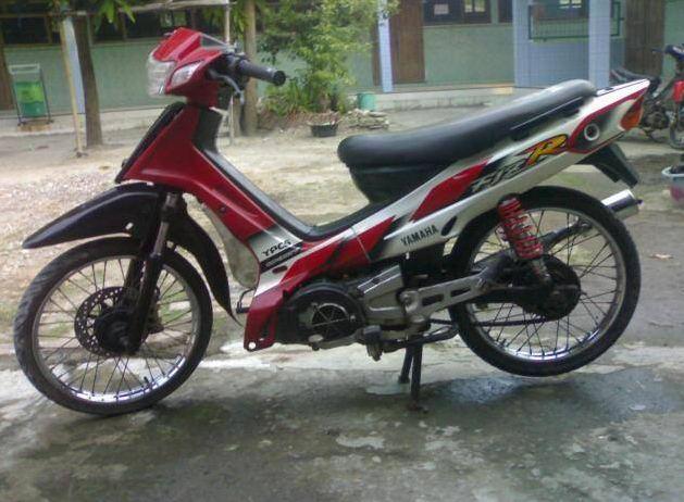 Modifikasi keren motor yamaha FIz R Standart tahun 2001