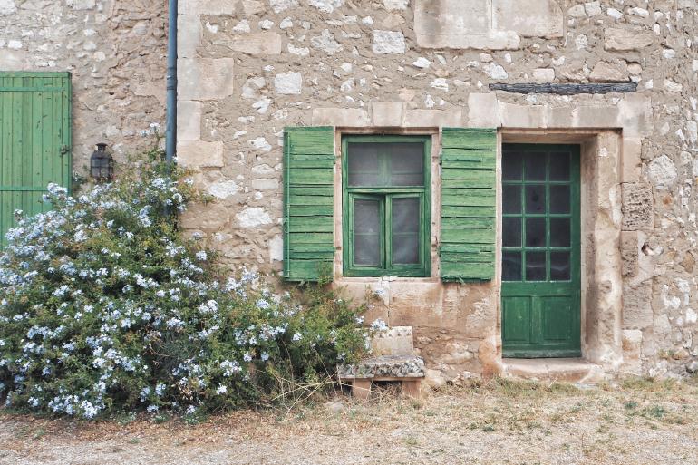 Mas de Gourgonnier - jolie demeure viticole