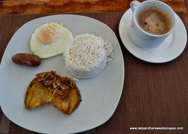 Filipino breakfast at Marianne Home Inn