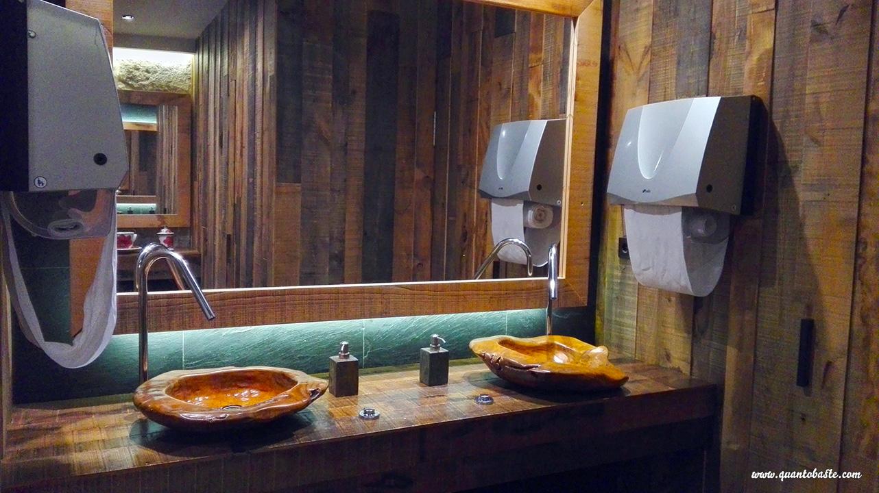 O Brasão Coliseu Porto - WC