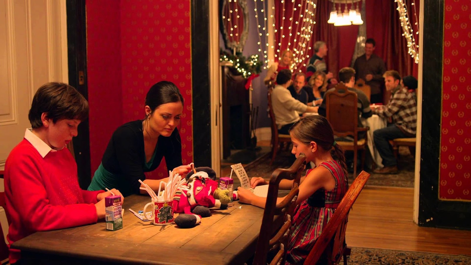 2012 movie love at the christmas table