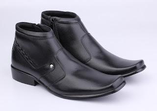 sepatu kerja aladin boots,sepatu kerja pria mengkilat,grosir sepatu boots formal.grosir sepatu PDH murah,gambar sepatu PDH tanpa tali,sepatu kerja pria online murah