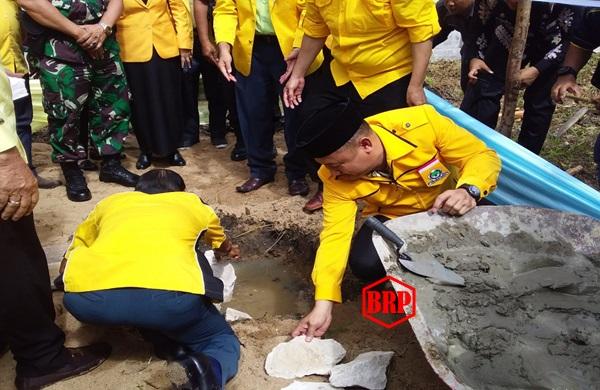 Peletakan Batu Pertama Pembangunan kantor DPD Golkar Barito Selatan