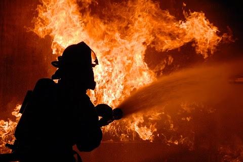 Teljes terjedelmében égett egy családi ház