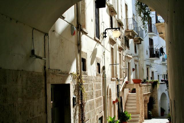 via, centro storico Putignano