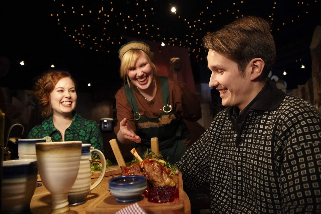 Viikinkiravintola Harald: Viikinkiravintola Haraldin herkullinen lounas klo 11.00 – 14.00