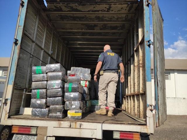PRF apreende 1,5 tonelada de maconha no norte do Paraná (VÍDEO)