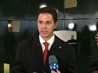 Veneziano defende continuidade do auxílio emergencial neste ano para estimular a recuperação econômica no Brasil