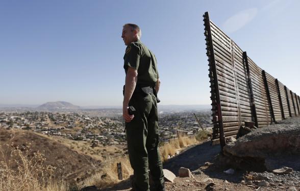 Stephen Miller blames Obama, Dems for 'cruel, inhumane' immigration policies