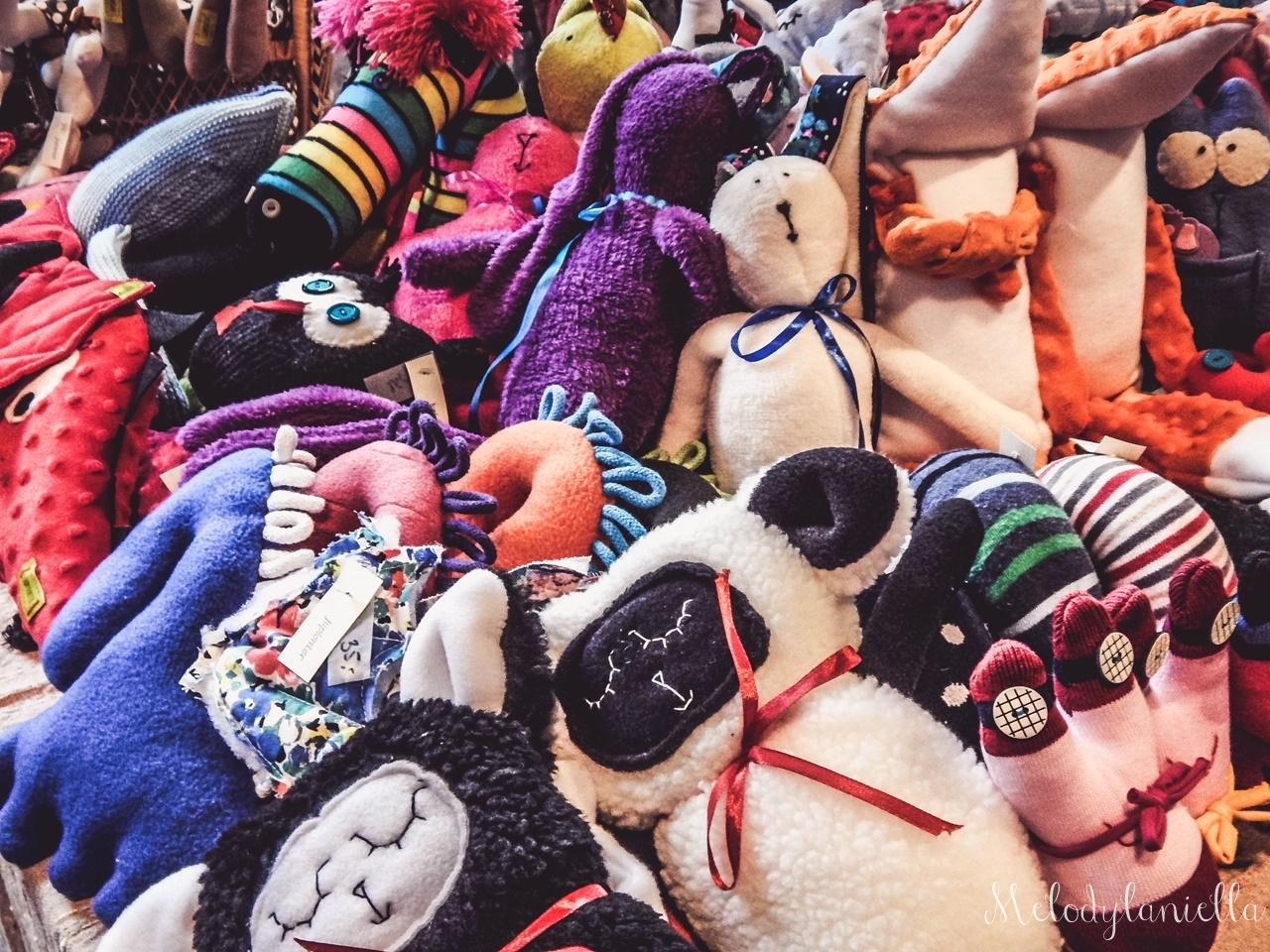 24 nietypowy jarmark świąteczny piotrkowska 217 co dzieje się w łodzi dwukropek ogrody zofii bożonarodzeniowy jarmark targ świąteczny świat z lukru pierniki świąteczne łódź biżuteria handmade piando zigner