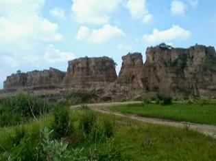 http://www.teluklove.com/2016/11/pesona-keindahan-destinasi-wisata-brown.html