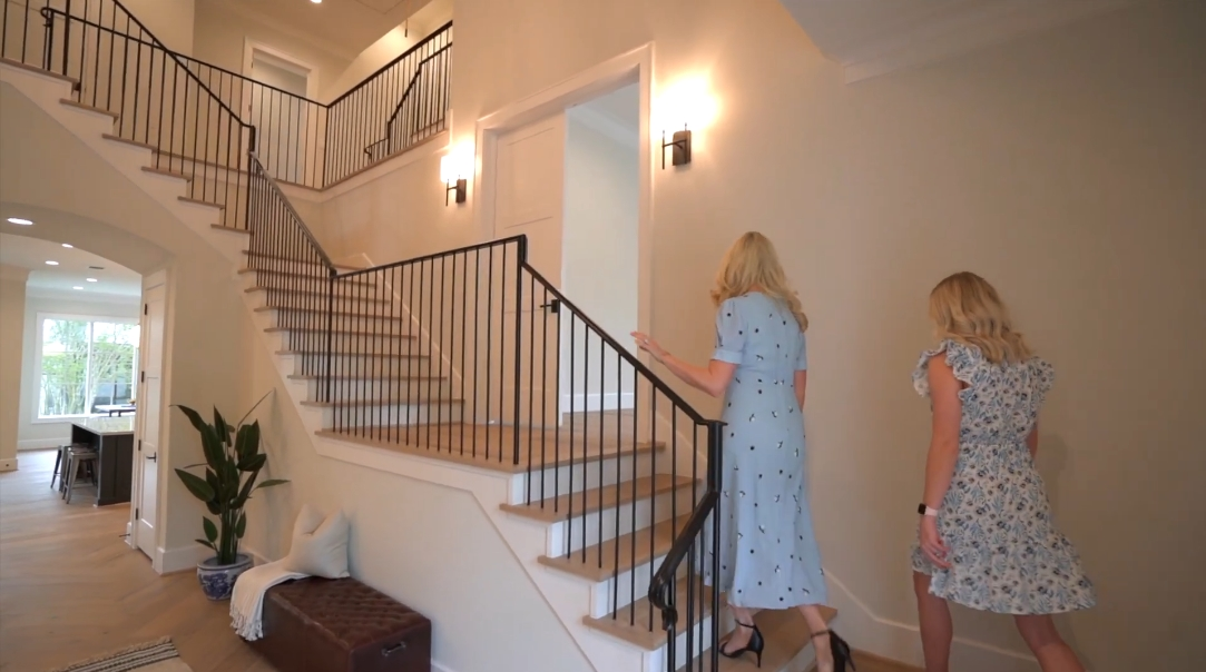18 Interior Design Photos vs. 4035 Tartan Ln, Houston, TX Luxury Home Tour