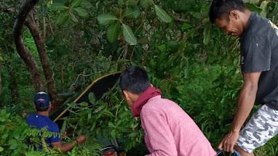 Dipicu Jalan Berpasir, Satu Bentor di Bobong Terjatuh